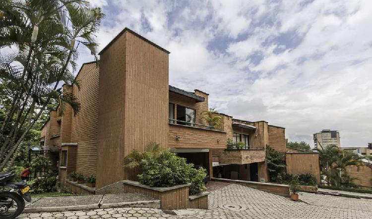 Casa en venta en la transversal inferior _ wasi1416806