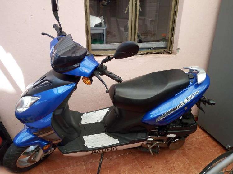 Se vende moto jailing - zafiro