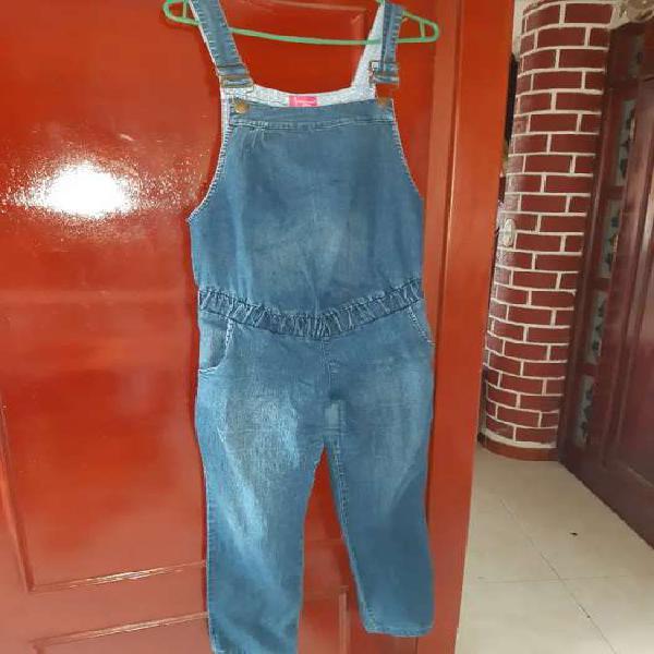 Oberol y pantalón jean materno