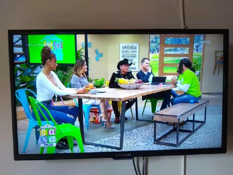 Tv lcd 32 pulgadas hd estado 10/10 + cable hdmi + control