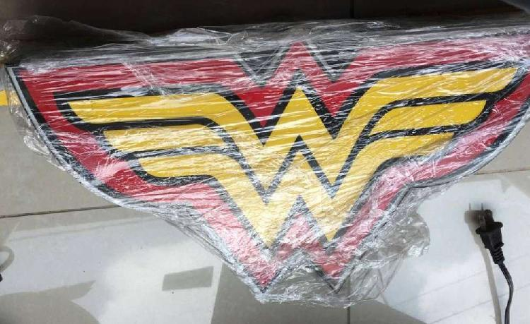 Avisos de marvel superman