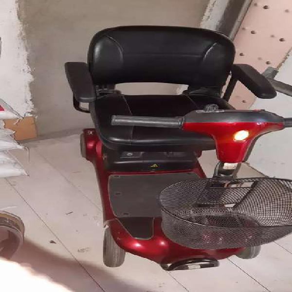 Sillas de ruedas eléctricas y silla ruedas normal