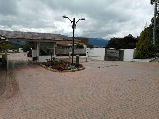 Casa en venta en vereda yerbabonita sopo simicrm6441343