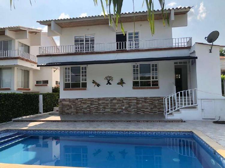 Venta casa y piscina privada en girardot tocaima