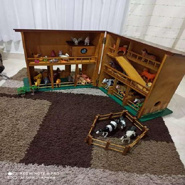 Granja de juguete en madera