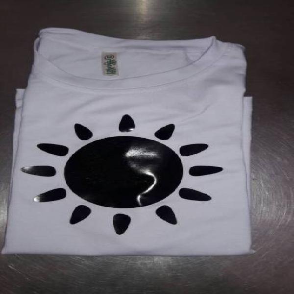 Sol camiseta blanca