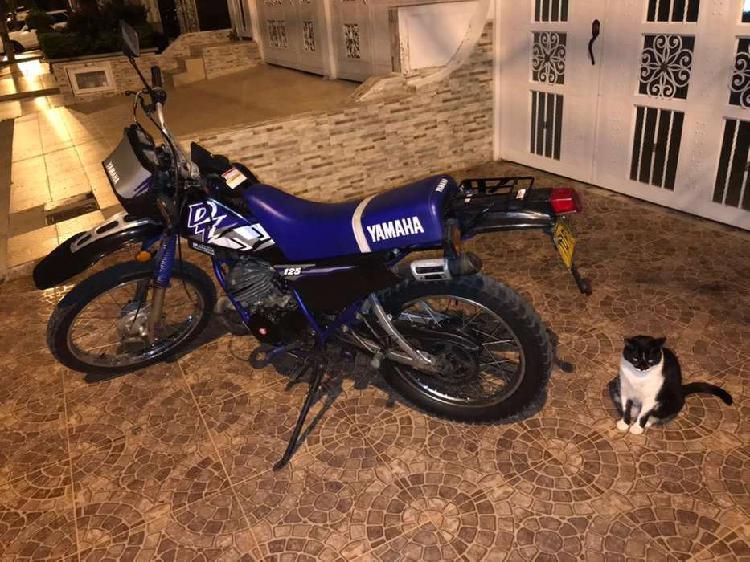 Yamaha dt 125. vendo o cambio. papeles al día hasta el