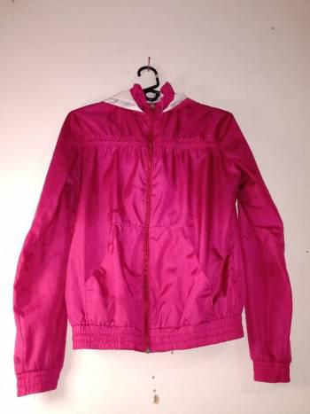 Chaqueta deportiva rosada
