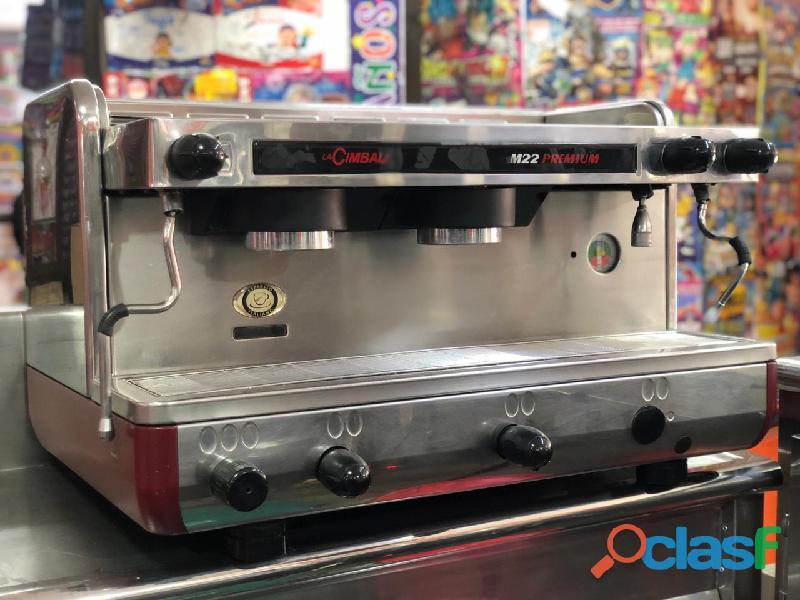 Combo Cafetera y Refrigerador Industrial 1