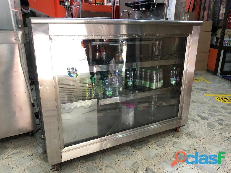 Combo Cafetera y Refrigerador Industrial 2