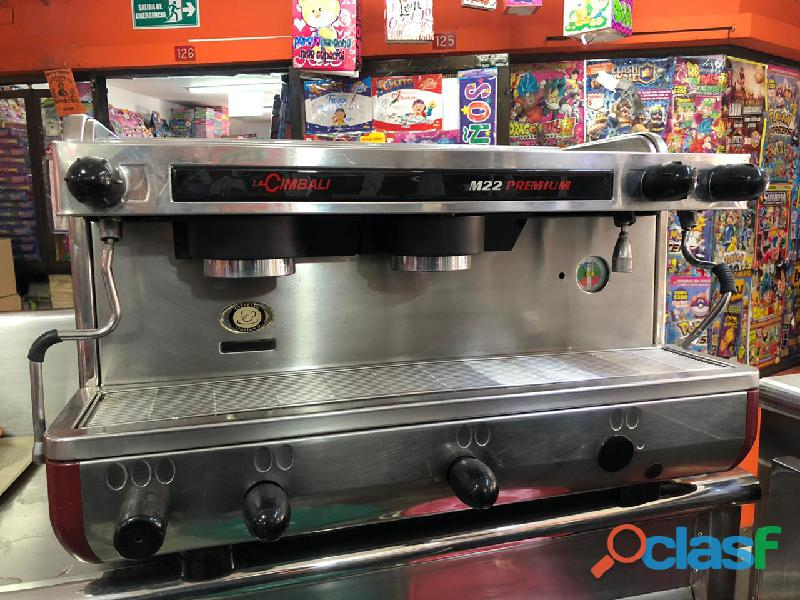 Combo Cafetera y Refrigerador Industrial 3