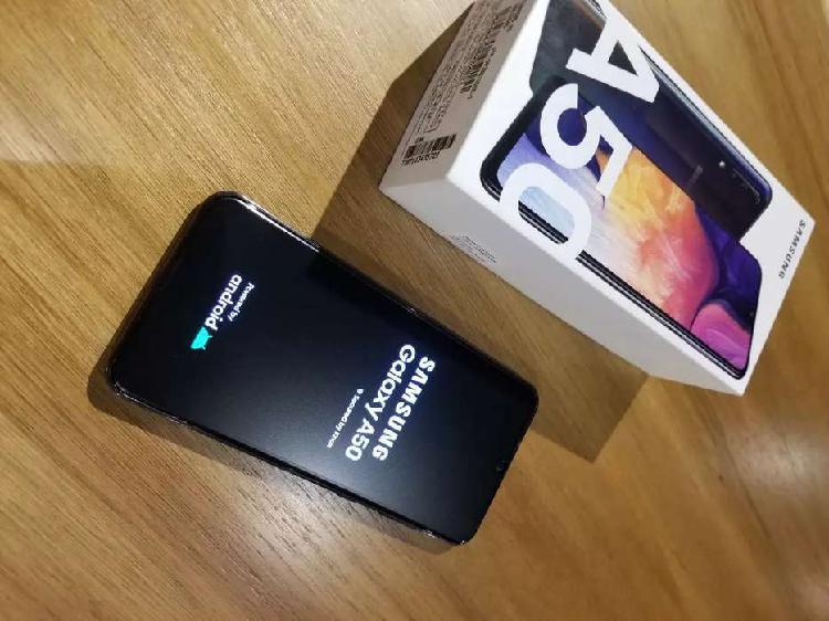 Samsung galaxy a50 4gb ram 128gb de almacenamiento