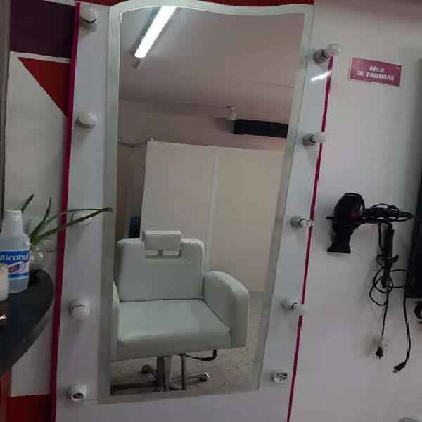 Se vente pack espejo con silla peluquería, silla pedicure y