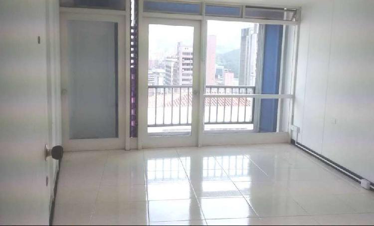 Arriendo oficina, centro, edificio seguros bolivar
