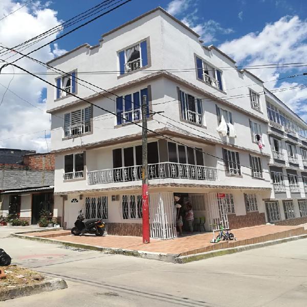Gangazo!!!! se vende casa 4 pisos independientes con local