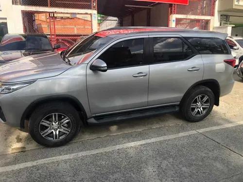 Toyota fortuner urbana 4x2 automática 2017