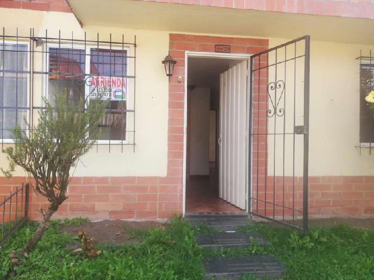 Casa para arriendo barrio la aldea _ wasi2645689