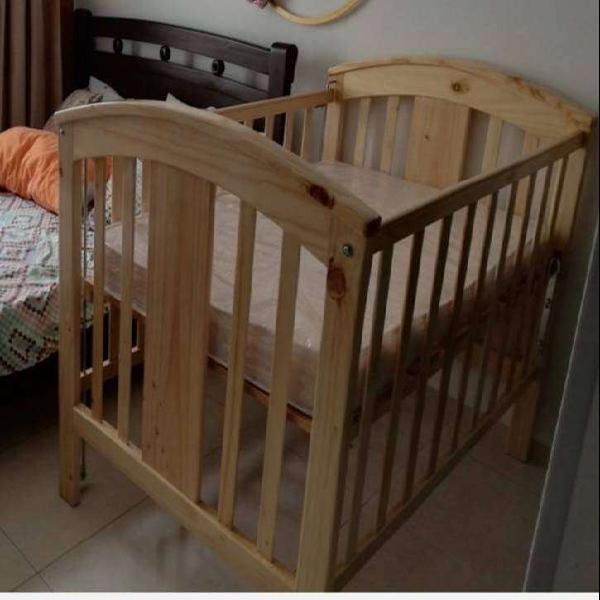 Cuna para bebé en pino unisex