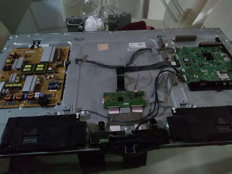 """Se vende tv para repuesto pantalla dañado lg 49"""" 49ub820t"""