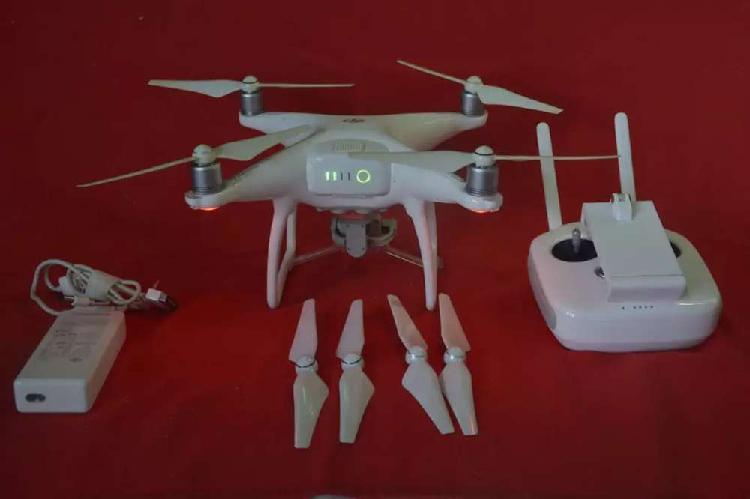 Vendo drone phantom 4