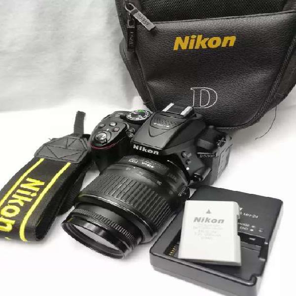 Cámara nikon d5300 con lente 18-55 vr