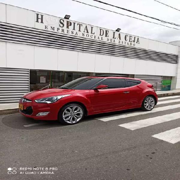 Hyundai veloster en excelente estado
