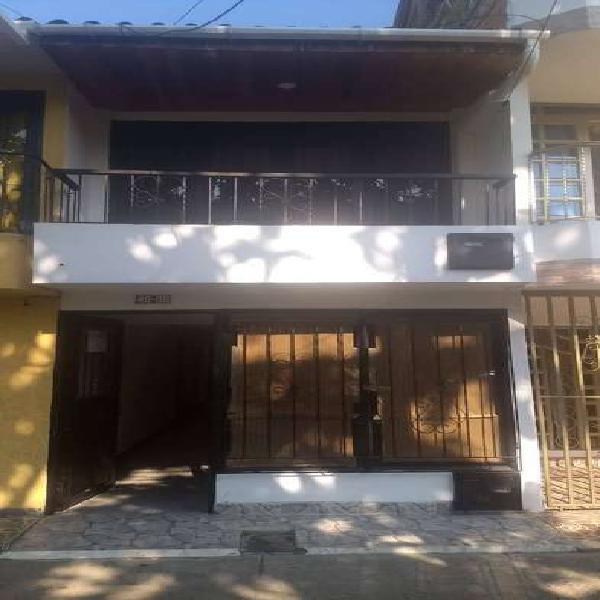 Se vende casa 2 niveles en palmira b/ portal de las palmas