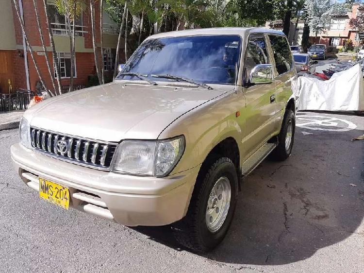 Toyota prado 2001 full, soat nuevo, tecno nuevo, llantas