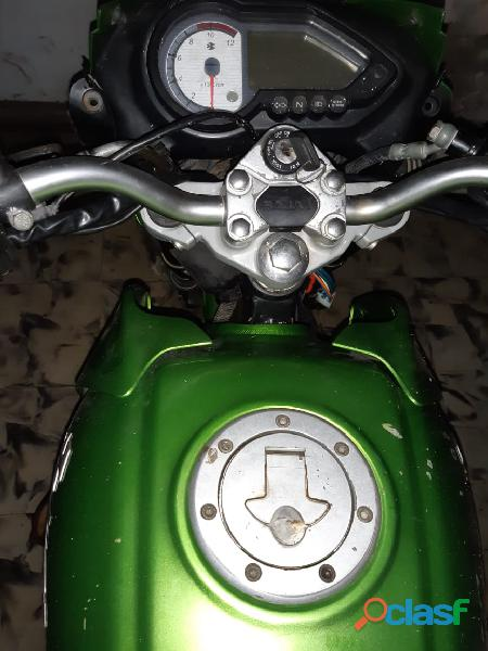 Vendo moto pulsar 200 oil modelo 2009