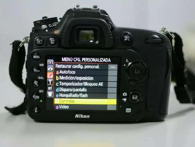 Camara nikon d7100 + lente nikon 18-55