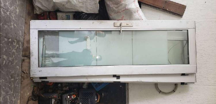 Puertas en vidrio y aluminio
