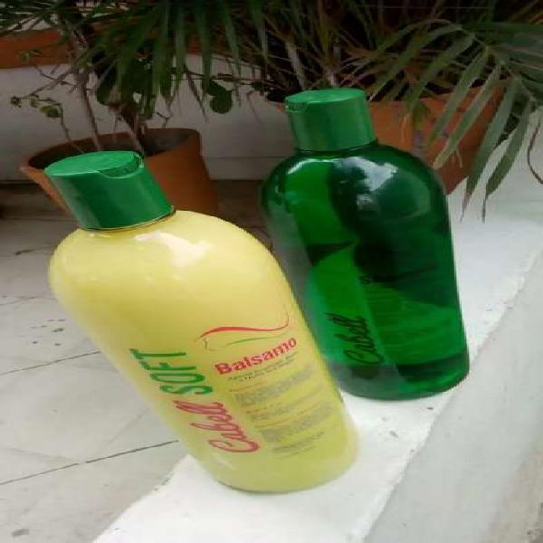 Se vende shampoo y acondicionador