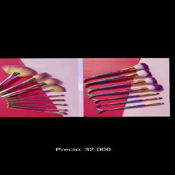 Set de brochas más cartuchera tono rosa
