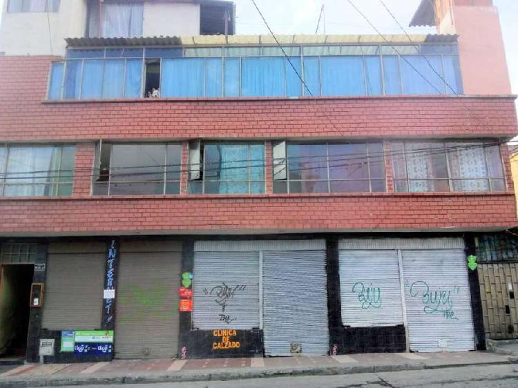 Casa comercial en barrio mercedario