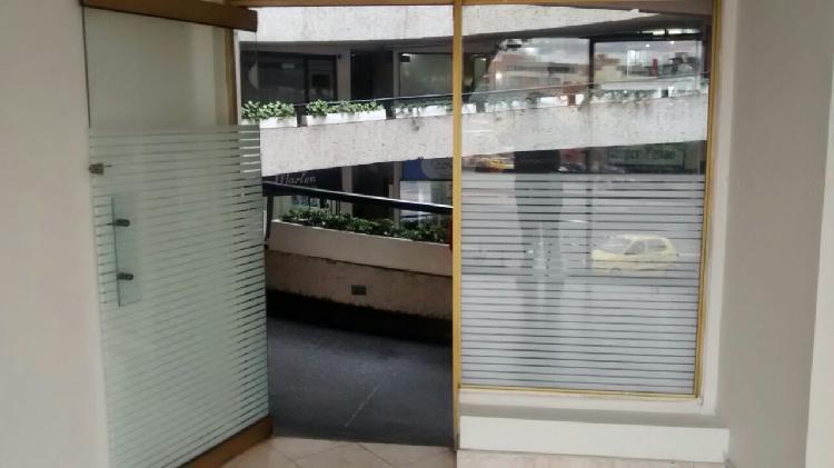 Local/oficina centro comercial starco con vista esquina av.