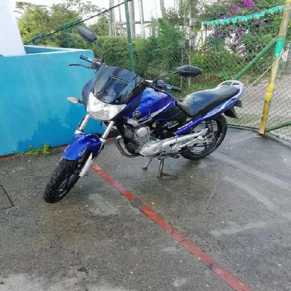 Yamaha ybr 125cc. sin seguro y tecno.