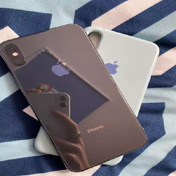 Iphone xsax negro de 64gb.