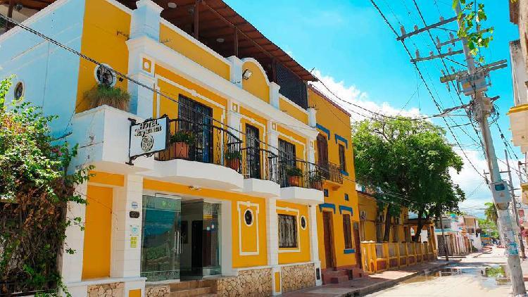 Hotel para venta en el centro histórico de santa marta _