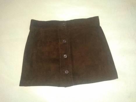 Falda en cuero color cafe