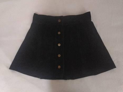 Falda en cuero negro talla s
