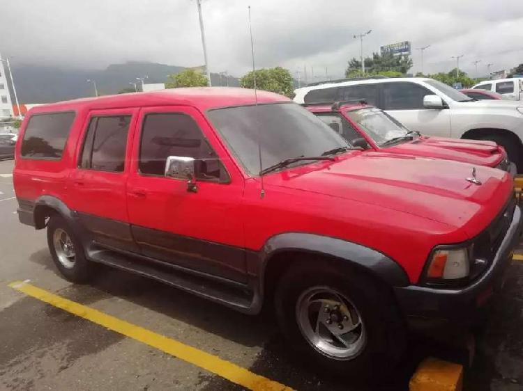 Camioneta toyota hilux wagon. 1994 pará 10 pasajeros