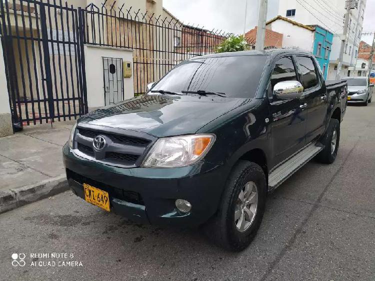 Toyota hilux diesel 2008 recibo vehículo menor valor