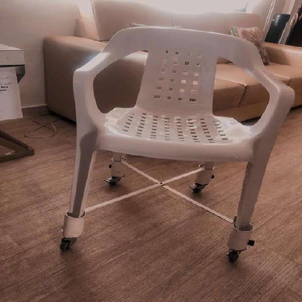 Silla de ruedas para espacios interiores