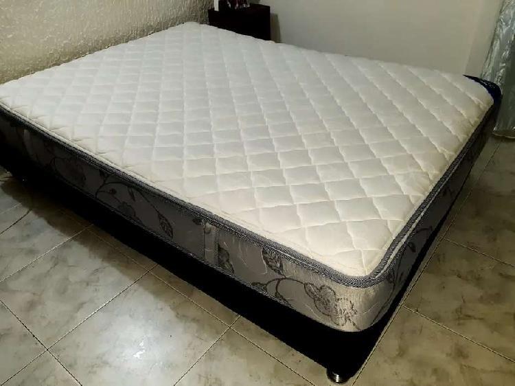 Vendo base cama y colchon