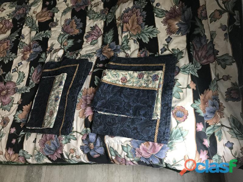 Cubre cama con forros de almohada