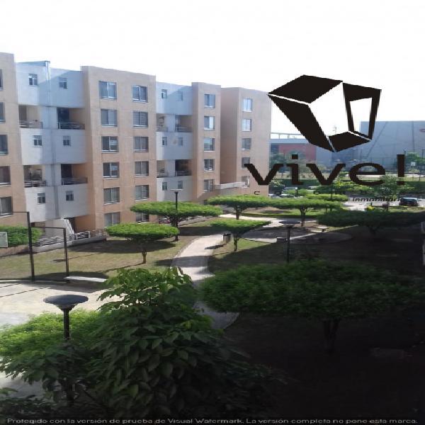 Alquilo moderno apartamento dúplex frente a unicentro