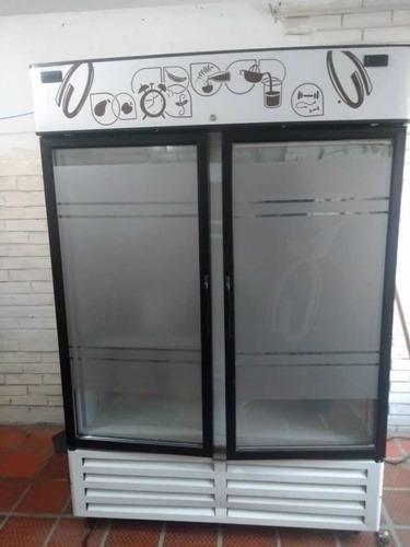 Nevera vertical mixta inducol refrigerador / congelador.