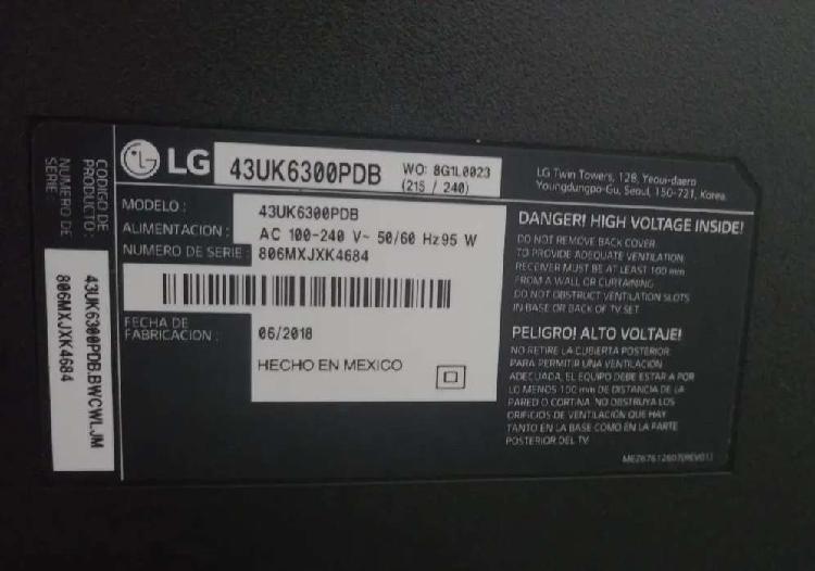 Televisor smart tv 43 pulgadas repuestos (pantalla dañada)