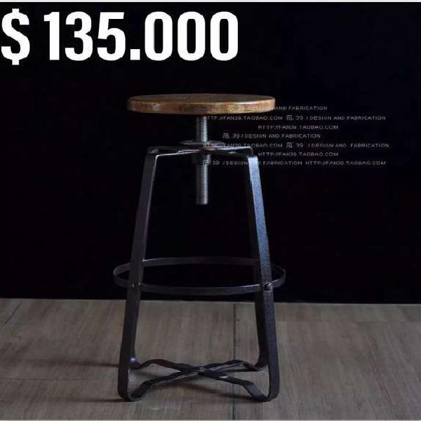 Sillas, mesas, muebles madera estilo rustico.