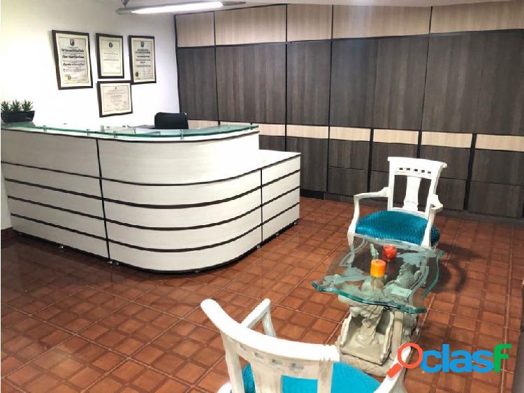 Se vende oficina amoblada - sector centro